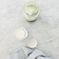2 minute homemade cashew milk (and iced matcha latte)