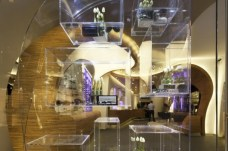 the-shop-windows-and-endless-display-racks-inside-530x352