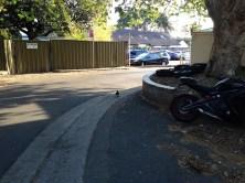 Ito yung view pagkalabas ko pa lang ng pintuan. A yang nakikita nyong parking, yan yung parking ng Woolworths. Parang sari-sari store lang sa lapit.