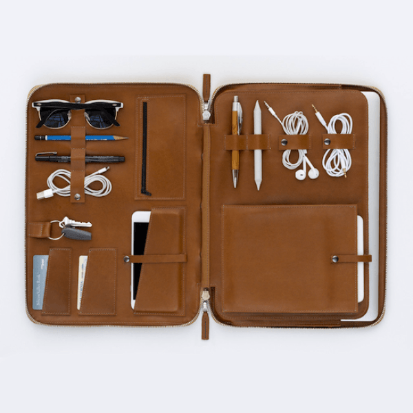 Laptop Bag // 8 Father's Day Gifts for the Organized Dad // simplyspaced.com