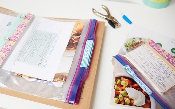 Magazine Clippings and Recipies Organizing // How to Organize your Entire Life with Ziploc Bags // #magazine #recipies #organizing // simplyspaced.com