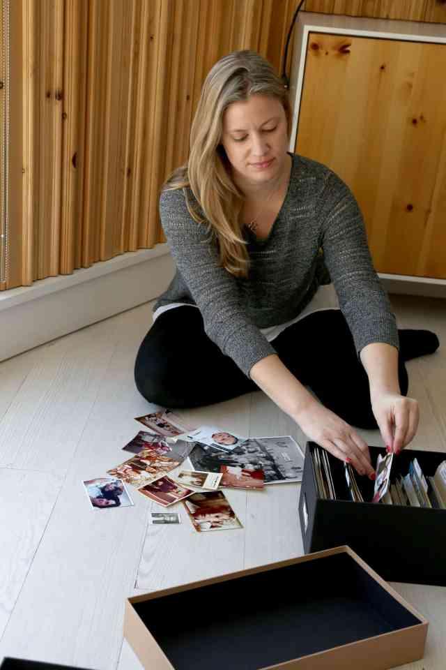 Organizing photos into photo boxes