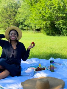 What to wear for a picnic 2021