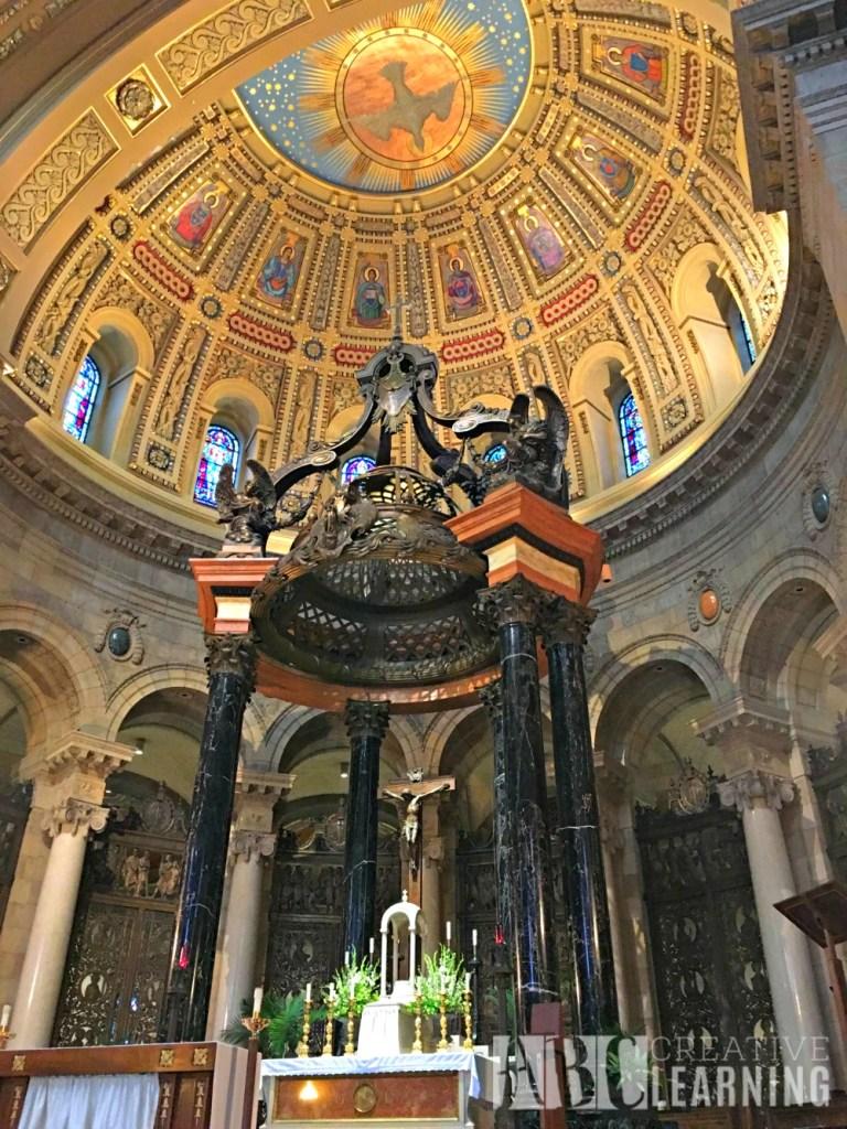 Minneapolis Saint Paul Bus Tour Inside Cathedral