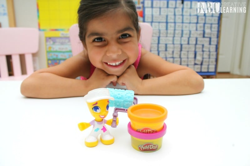Lasting Imagination and Storytelling with Play-Doh mini