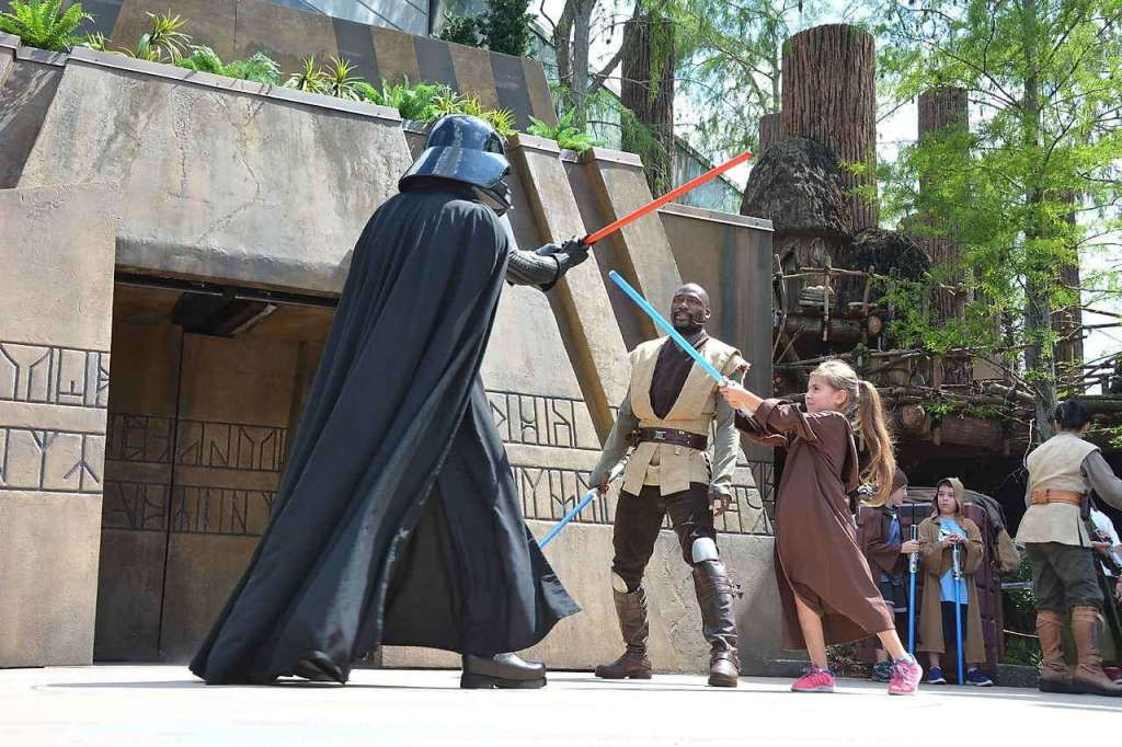I'm Going To The Star Wars: The Last Jedi Press Junket To Empower My Daughter #TheLastJediEvent Jedi Disney