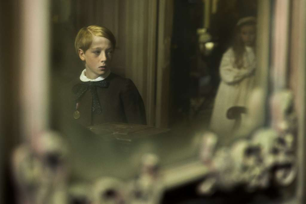 The Little Stranger Focus Features Movie 2018 - simplytodaylife.com