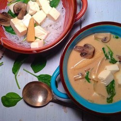 Thai tofu and coconut soup with rice noodles