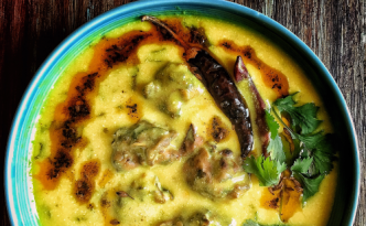 Lehsuni Kadhi {Curry made with Garlic Buttermilk Chickpea Flour}