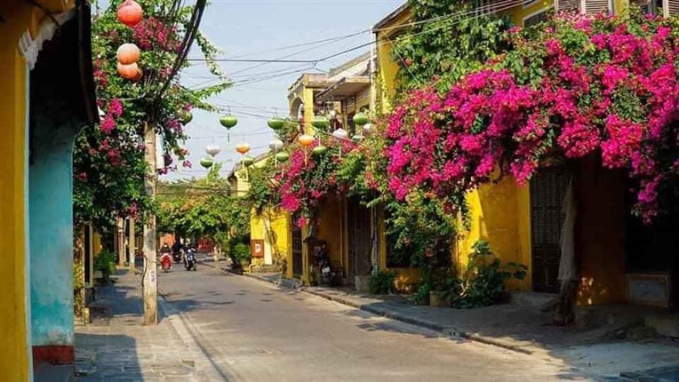 Marble mountains and Hoi An ancient town (9)