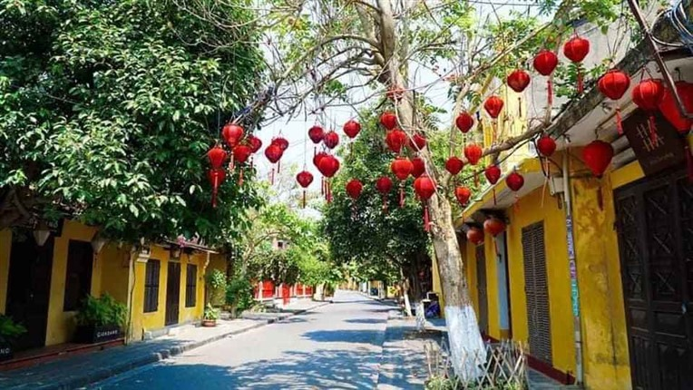 Ba Na hills and Hoi An by night (6)