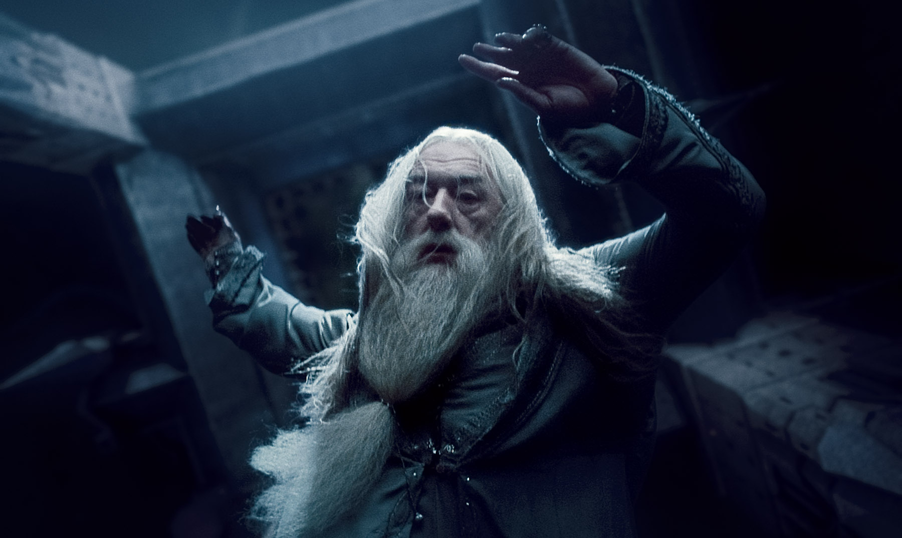 Dumbledore In Harry Potter And Thely Hallows Desktop