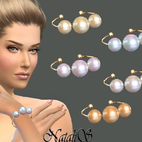 Faux pearls bracelet by NataliS