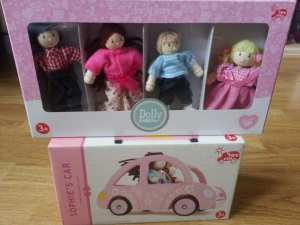 Le Toy Van Sophie's Car and My Family Dolls