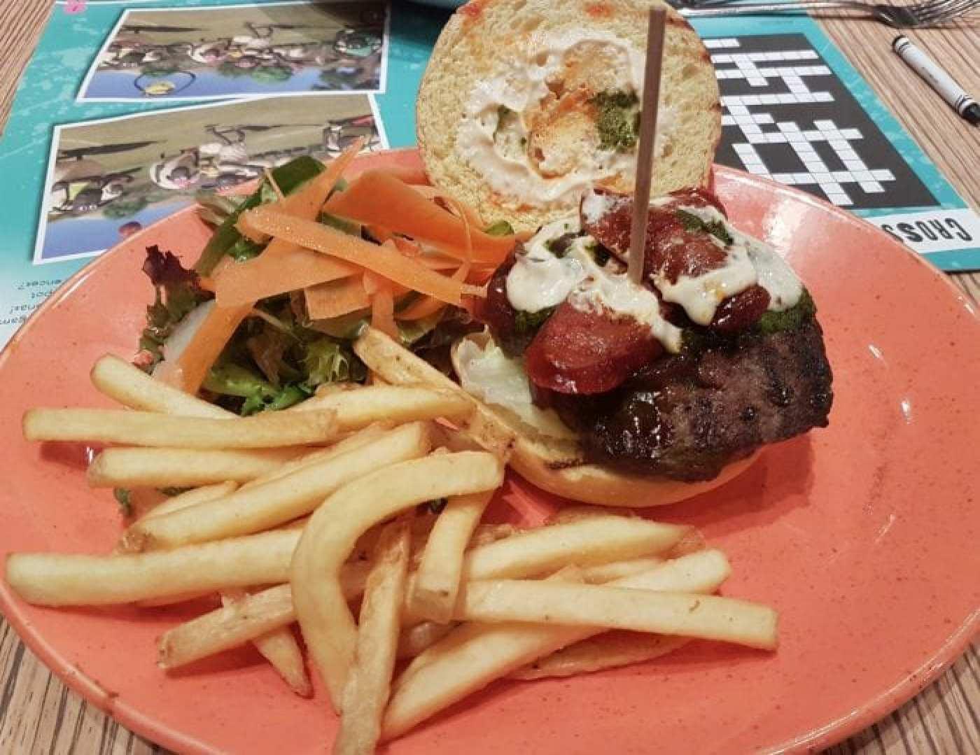 Las Iguanas burger