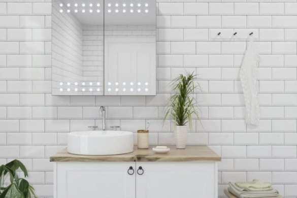 Bathroom mirror creating space