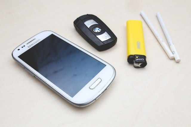 A-Samsung-smartphone-on-a-table