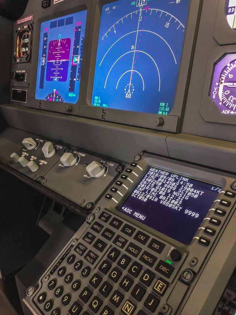 FMC dettaglio simulatore di volo 737