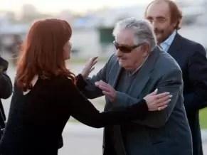 Fotos: Cristina Fernández y Pepe Mujica, el reencuentro