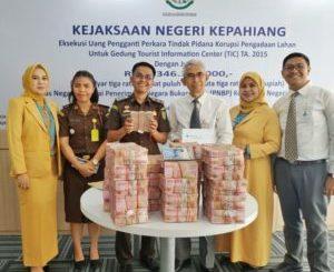 Eksekusi Kasus Tindak Pidana Korupsi, Kejaksaan Negeri Kepahiang-Bengkulu Setorkan Uang Sebesar Rp 3 Miliar Ke Kas Negara.