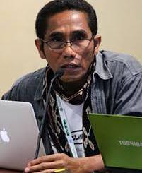 Koordinator Forum Masyarakat Adat Pesisir seluruh Indonesia (FORMAT-P), Bona Beding: Aneh, Kok Menteri Ngotot Hendak Ekspor Benih Lobster.