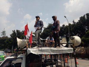 Demonstran PPMAK Desak KPK Usut Dugaan Korupsi Pembayaran Ganti Rugi Lahan di Kota Pekanbaru.