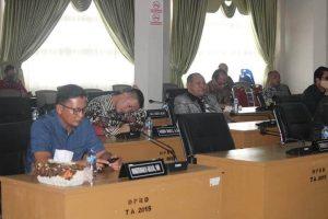 Gelar Rapat Paripurna, Bupati Nias Barat Dan DPRD Kabupaten Nias Barat Bahas Laporan Hasil Pemeriksaan BPK RI.
