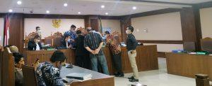 Empat Kali Ditolak, Gugatan Kelima Diterima, Ada Dugaan Praktik Mafia Di Proses Persidangan, Putusan Pengadilan Niaga Jakarta Pusat Tidak Masuk Akal. – Foto: Sidang Penundaan Kewajiban Pembayaran Utang (PKPU) Perkara Kepailitan yang melibatkan PT Budi Kencana Megah Jaya (BKMG) sebagai pihak Termohon dengan PT Gugus Rimbarta sebagai pihak Pemohon, di Pengadilan Niaga Jakarta Pusat, Kamis (24/09/2020).(Ist)