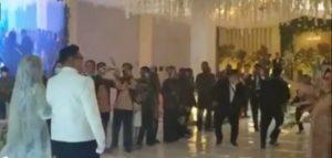 Geger Perayaan Mewah Meriah Resepsi Pernikahan Oknum Polisi Tanpa Protokol Kesehatan di Labuhanbatu, Kapolri Jenderal Pol Idham Azis Ditantang Tempeleng dan Copot Kapolres Labuhanbatu AKBP Deni Kurniawan dan Kasat Intelkam Polres Serdang Bedagai AKP Bobi. – Foto: Resepsi pernikahan mewah dan semarak Kasat Intelkam Polres Serdang Bedagai AKP Bobi, tanpa protokol kesehatan, di Gedung Serbaguna Labuhanbatu, Sabtu (26/09/2020).(Ist)