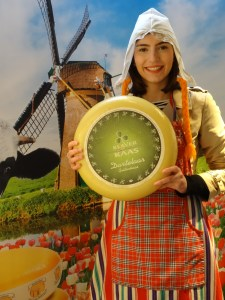 Amsterdam Cheese museum and dutch milkmaid
