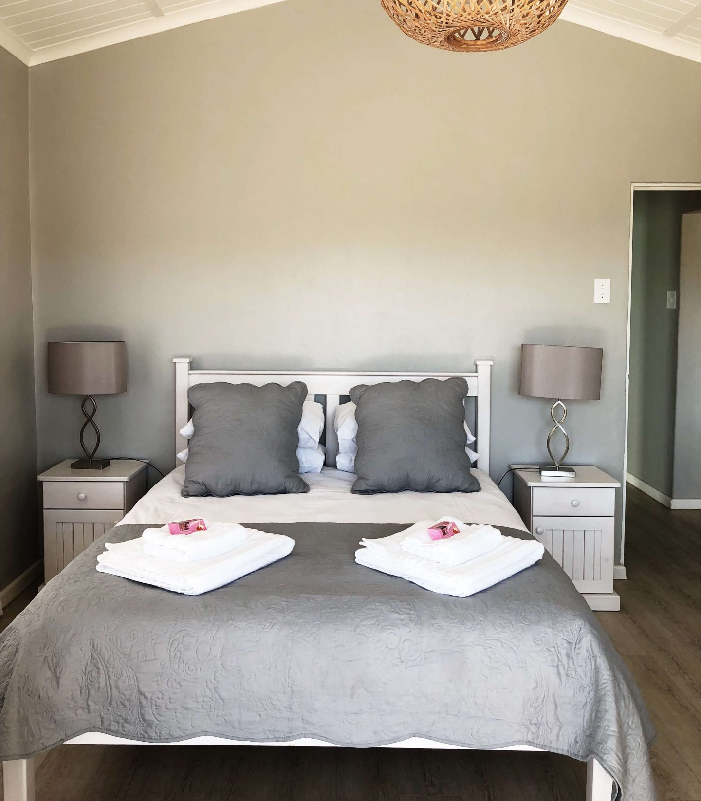Vineyard House accomodation worcester cape town airbnb