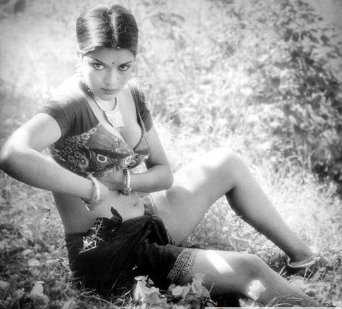 Zeenat-Aman-Hot-Pic
