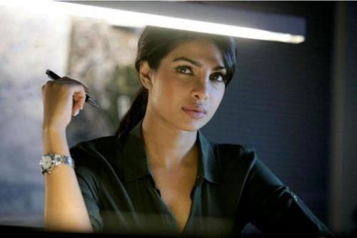 3oxi5vj5il1uw8j5.D.0.Priyanka-Chopra-Don-2-Movie-Stills