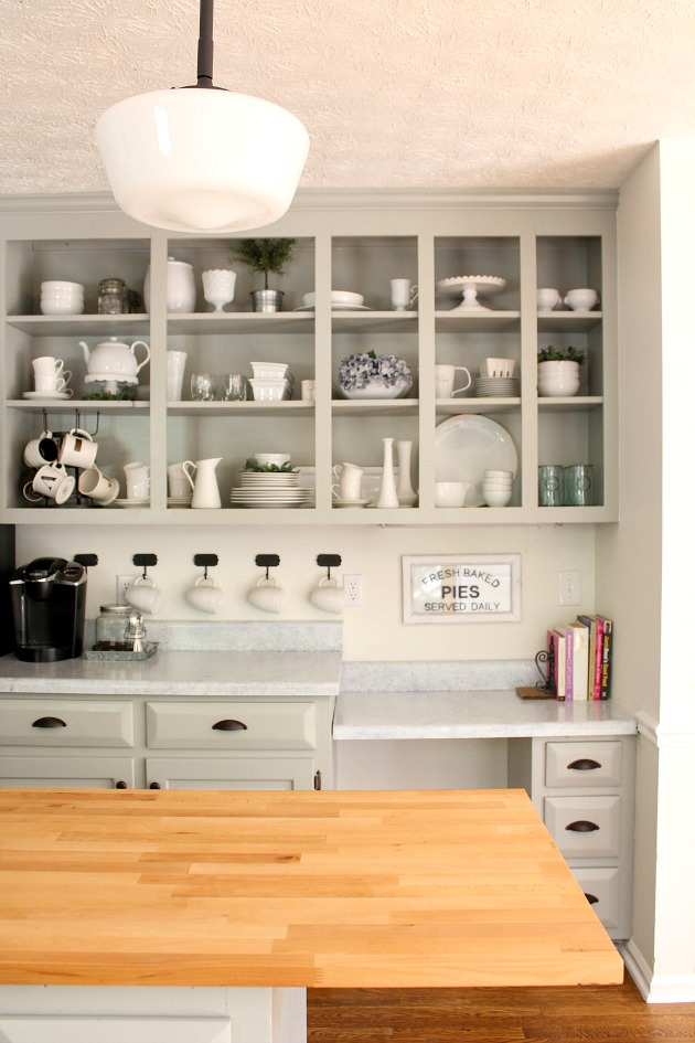 A colonial kitchen makeover