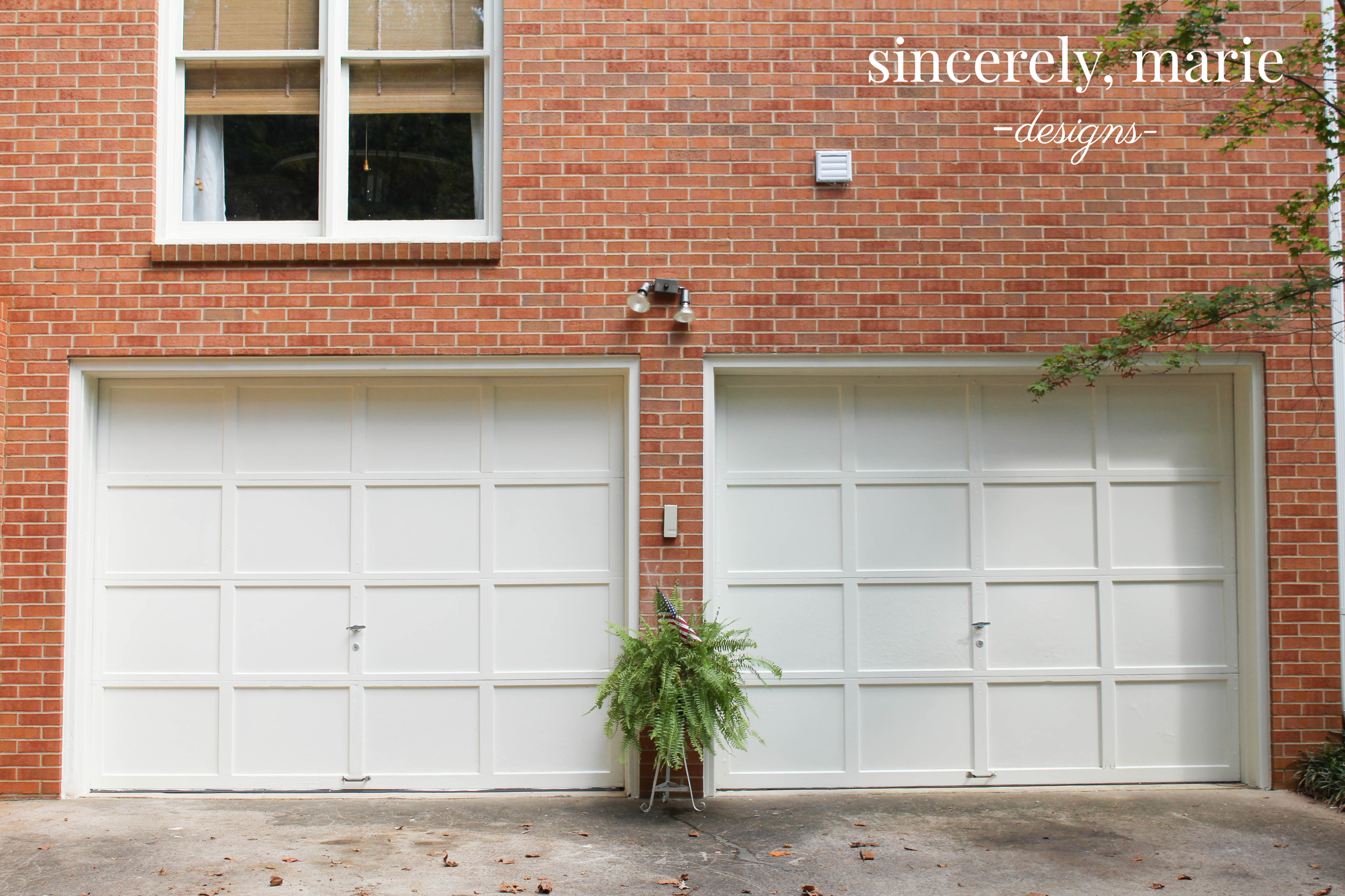 If I didn\u0027t know any better I would think they were brand new doors! & Simple Garage Door Makeover with the Homeright Paint Sprayer