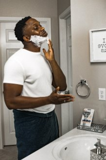 Tips For Preventing Razor Bumps In Black Men 6
