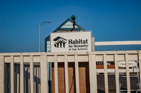 frost bank opt for optimism volunteering Habitat for humanity san antonio