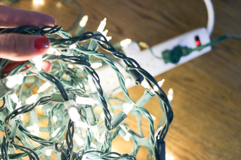 tips-for-hanging-lights-on-a-christmas-tree