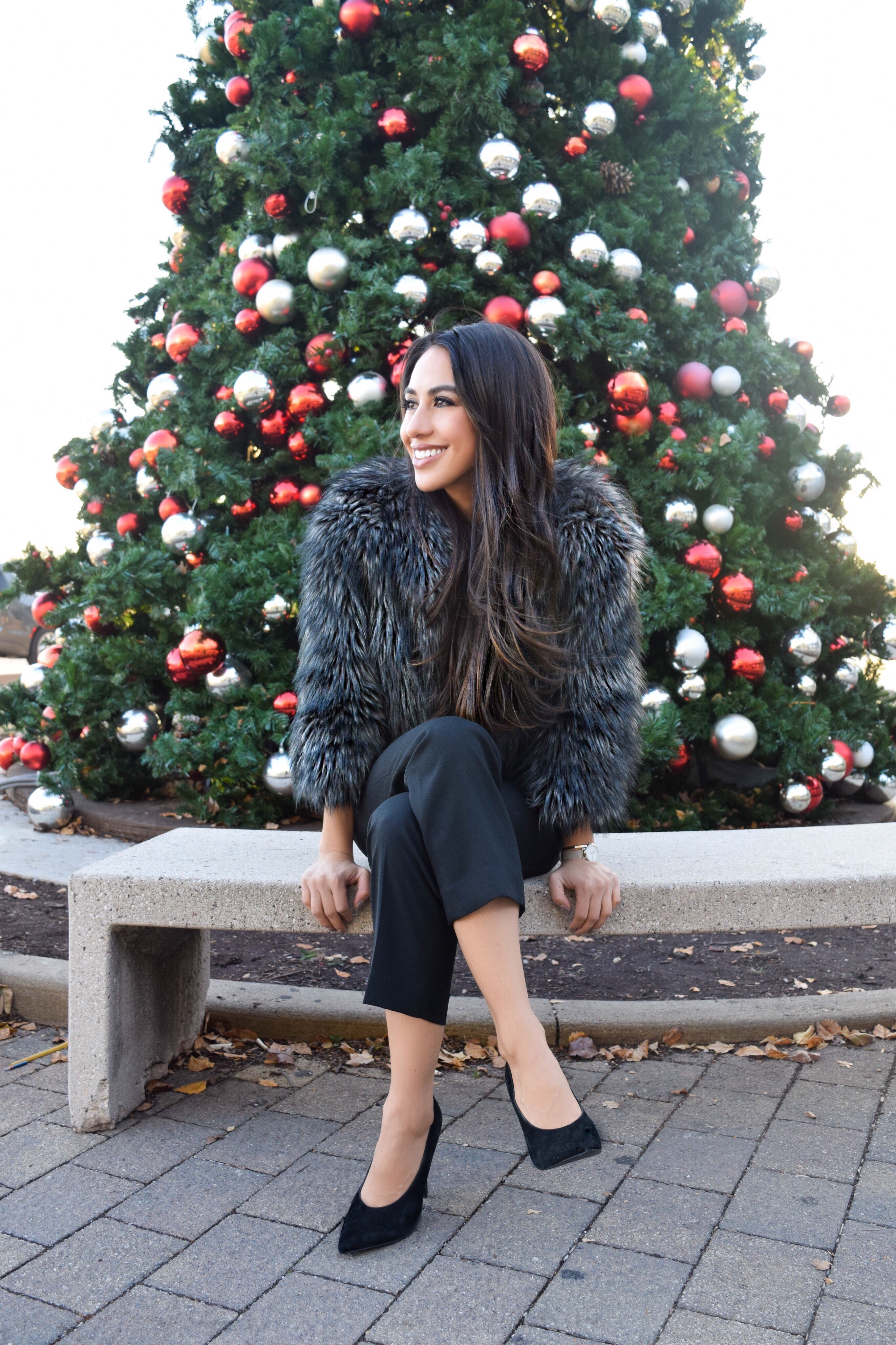 FAUX FUR FOR A FESTIVE TOUCH