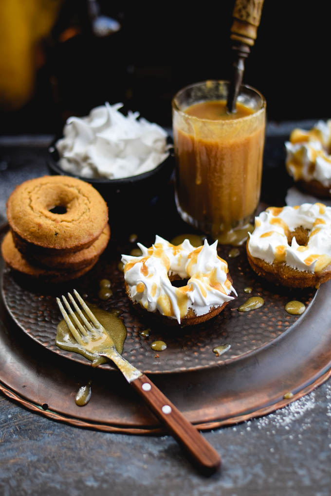meringue-frosted-butterbeer-baked-doughnuts-3