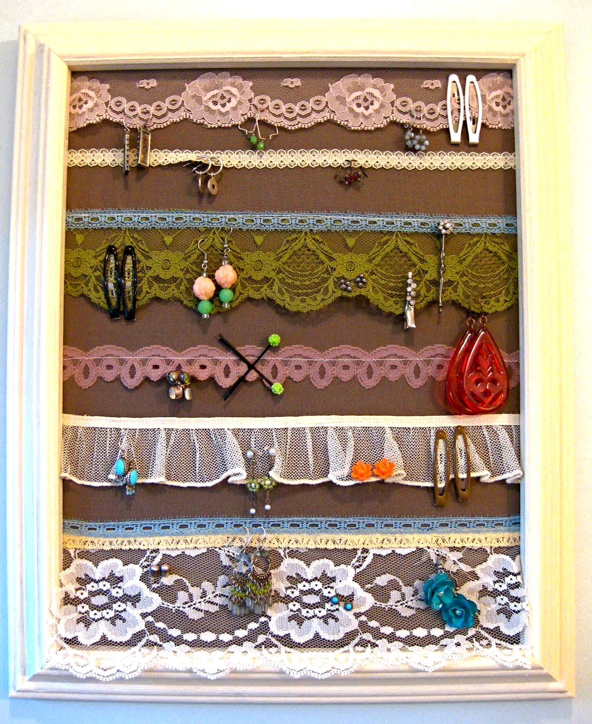 23 Jewelry Display DIYs Sincerely Yours
