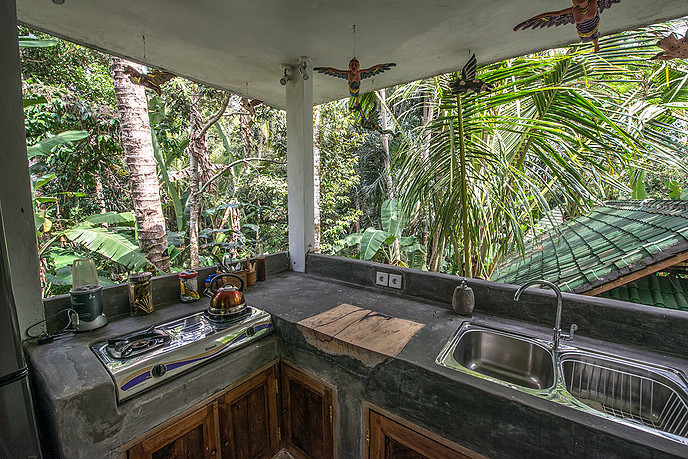yoga retreat bali kitchen