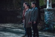 """Supernatural --""""All Along the Watchtower"""" -- SN1223b_0189.jpg -- Pictured (L-R):, Jared Padalecki as Sam, Misha Collins as Castiel and Jensen Ackles as Dean -- Photo: Jack Rowand/The CW -- © 2017 The CW Network, LLC. All Rights Reserved"""