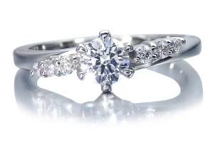 6つのメレダイヤの婚約指輪
