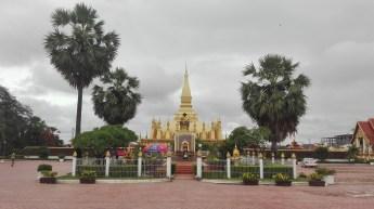 Laos - Vientiane - Visita a Pha That Luang