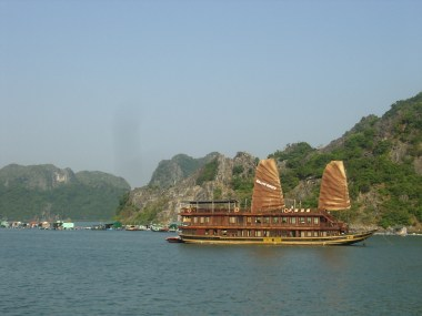 Vietnam - Barco Halong Bay