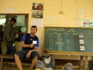 Frontera Vietnam - Laos: Ticket a Oudomxay