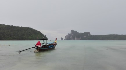 Tailandia Playa de Koh Phi Phi - Best travel tips for Thailand on a trip on your own