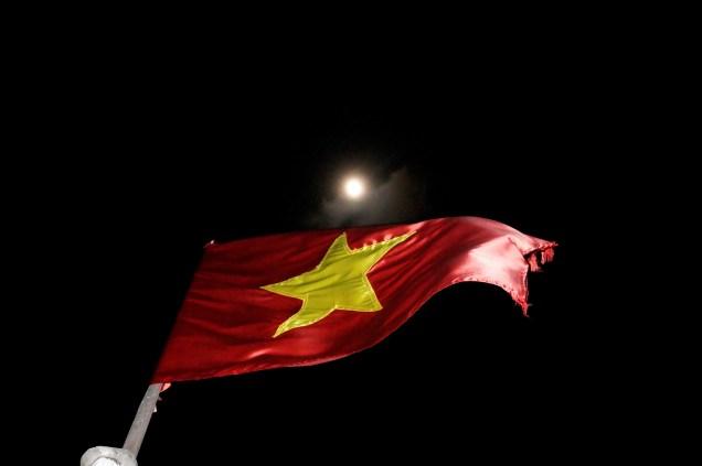 Vietnam Bahía de Halong Bandera de Vietnam - Guía de viaje de Vietnam: Qué ver, info y consejos