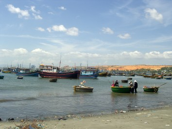 Central Coast of Vietnam Mui Ne Fishing village - Central Coast of Vietnam: The best beaches and places to see